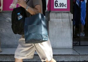Ηράκλειο: Διάλεγε ρούχα στο μαγαζί αλλά… δεν τα πλήρωνε