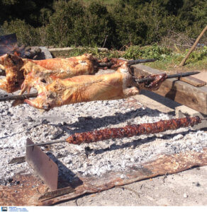 Βόλος: Η άγνωστη τραγωδία του φετινού Πάσχα – Έπεσε νεκρός δίπλα από τη σούβλα που ετοίμαζε!