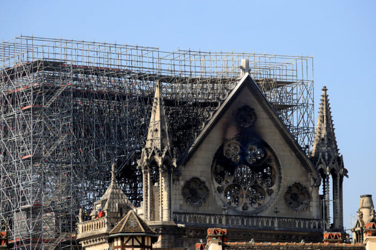 Παναγία των Παρισίων: Ένα δισ. ευρώ οι δωρεές για την αποκατάσταση του ναού