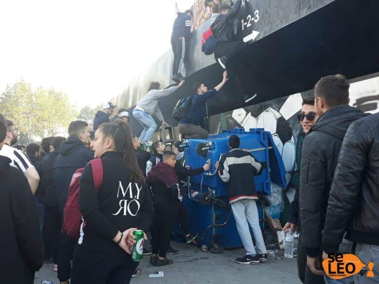 ΠΑΟΚ: Τρέλα! Σκαρφαλώνουν στην Τούμπα – «Λαοθάλασσα» στον Λευκό Πύργο! video, pics