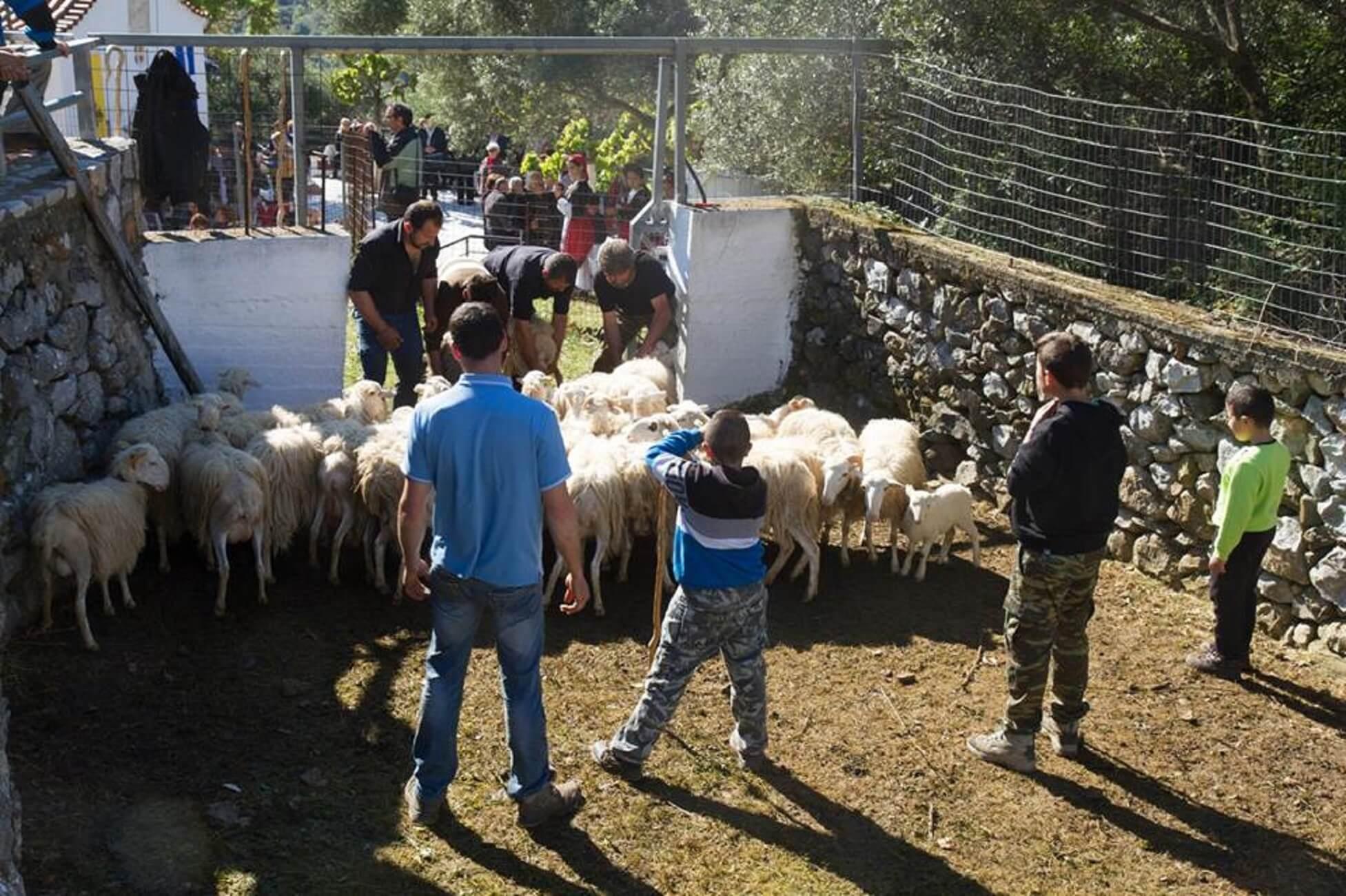 Πάσχα 2019: Ένα πολύ διαφορετικό έθιμο στην Κρήτη [pics]