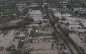 Καιρός: Πνίγηκε η Κρήτη! Εικόνες της «βουλιαγμένης» Σητείας από ψηλά – video