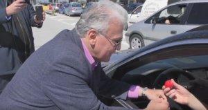 Θεσσαλονίκη: Έκπληξη στα διόδια από τον Παναγιώτη Ψωμιάδη – Τα γέλια και οι ατάκες – video