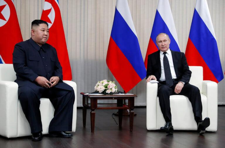 Σε καλό κλίμα η ιστορική συνάντηση Βλαντιμίρ Πούτιν – Κιμ Γιονγκ Ουν [pics]