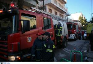 Σοβαρές ζημιές από πυρκαγιά σε εργοστάσιο επίπλων στον Κορυδαλλό