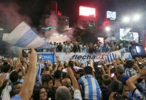 Πρωταθλήτρια Ρασίνγκ στην Αργεντινή! «Τρελοί» πανηγυρισμοί για τον τίτλο [vids, pics]