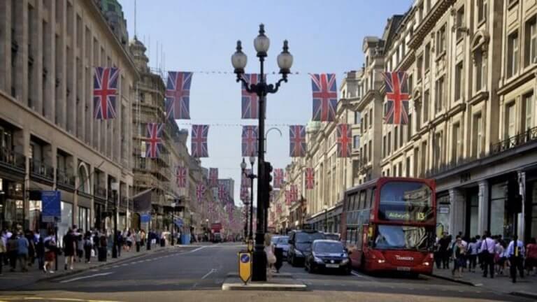 Λονδίνο: Φόρος από σήμερα στα παλαιότερα και περισσότερο ρυπογόνα αυτοκίνητα!