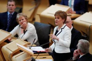 Ξεχάστε τα περί ανεξαρτησίας λέει το Λονδίνο στη Σκοτία