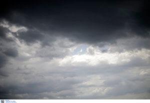 Καιρός αύριο: Συννεφιασμένο σκηνικό, μποφόρ και τοπικές βροχές