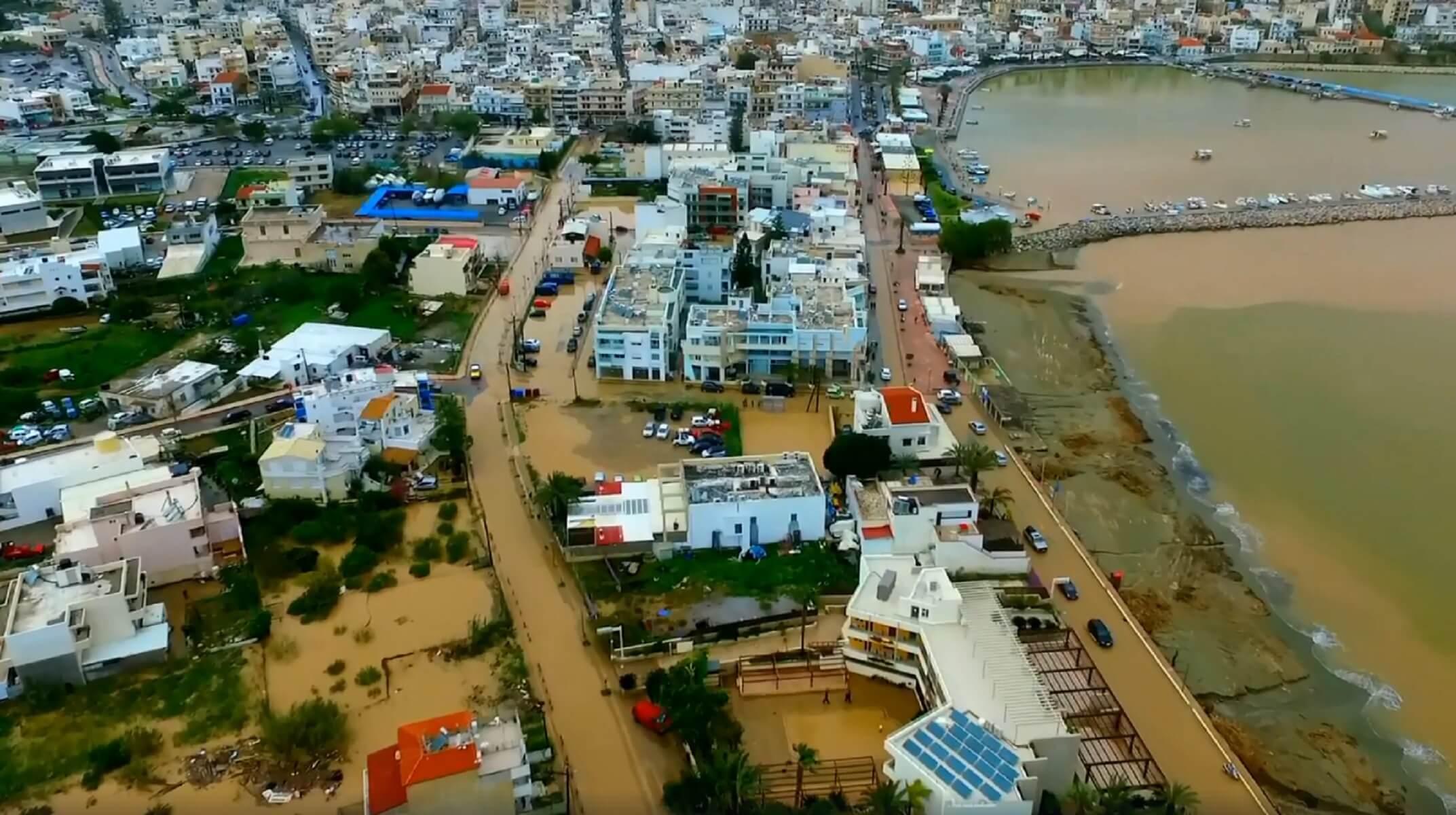 Απέραντη λασπούπολη η Σητεία – Μεγάλες καταστροφές από τις χθεσινές βροχοπτώσεις!