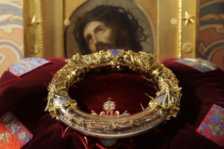 Παναγία των Παρισίων: Ψυχρολουσία! Σώθηκαν οι «θησαυροί»;