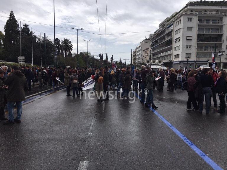 Οργή από τους καθηγητές για το νομοσχέδιο Γαβρόγλου – Πορεία στο κέντρο της Αθήνας [video, pics]
