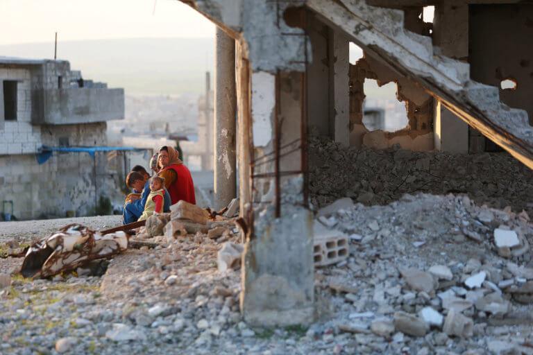 Συρία: 15 νεκροί από έκρηξη σε πόλη της επαρχίας του Ιντλίμπ