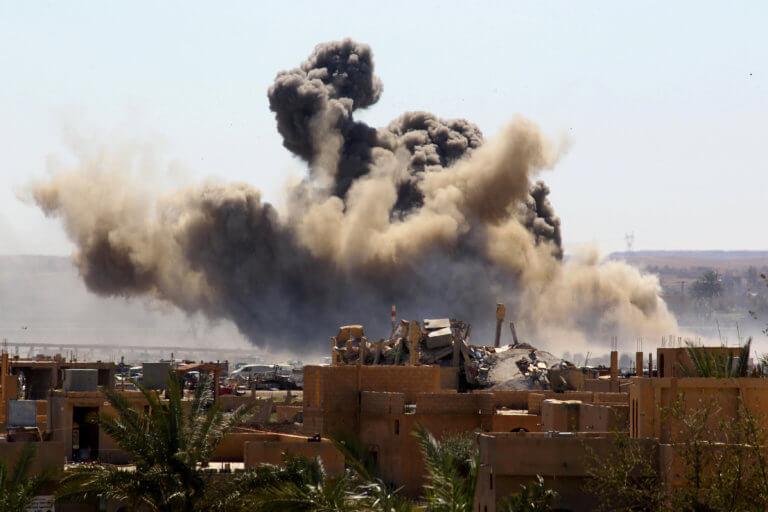 Συρία: Διπλή αεροπορική επίθεση στην Ρωσική βάση του Χμεϊμίμ