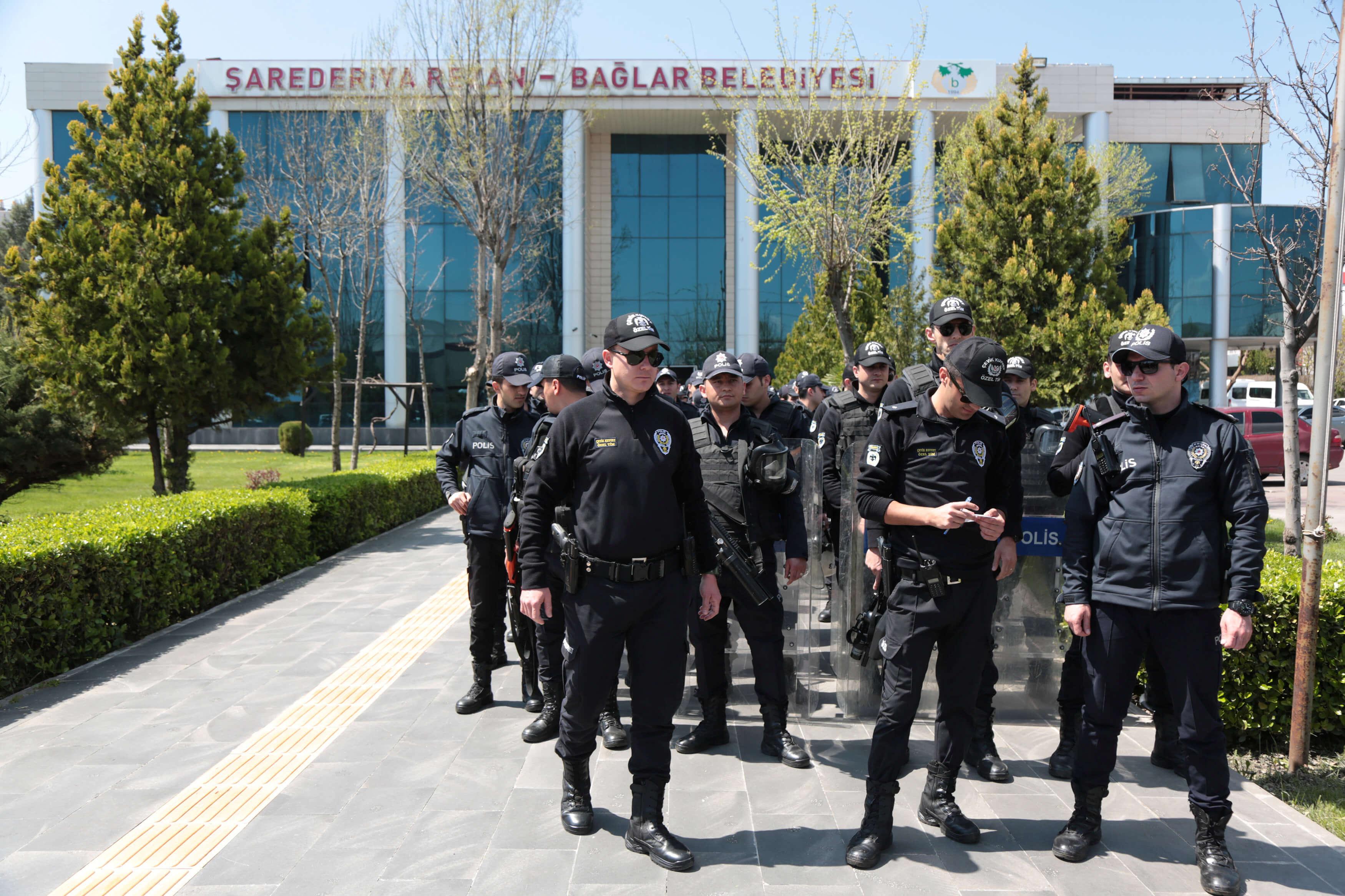 Συλλήψεις 210 στρατιωτικών στην Τουρκία για συνεργασία με τον Φετουλάχ Γκιουλέν
