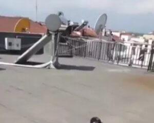 Τρίκαλα: Αυτή είναι η ταράτσα της τραγωδίας – Τράβηξε βίντεο ο μικρός Μάριος πριν πέσει στο κενό!