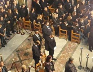 Τρίκαλα: Σπαραγμός στην κηδεία του 15χρονου Μάριου – Συγκλόνισαν οι συμμαθητές του αδικοχαμένου παιδιού!