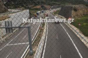Τροχαίο Ιόνια Οδός: Ανατροπή νταλίκας έξω από τα τούνελ της Κλόκοβας – Εκτροπή της κυκλοφορίας [pics, video]