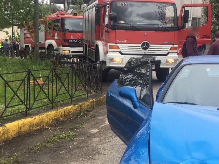 Αγρίνιο: Αυτοκίνητο παρέσυρε μαθήτριες – Η μια εκσφενδονίστηκε σε ρέμα!