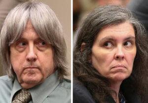 """Καλιφόρνια: Ισόβια στους """"γονείς"""" που κρατούσαν για χρόνια αλυσοδεμένα τα 13 παιδιά τους"""