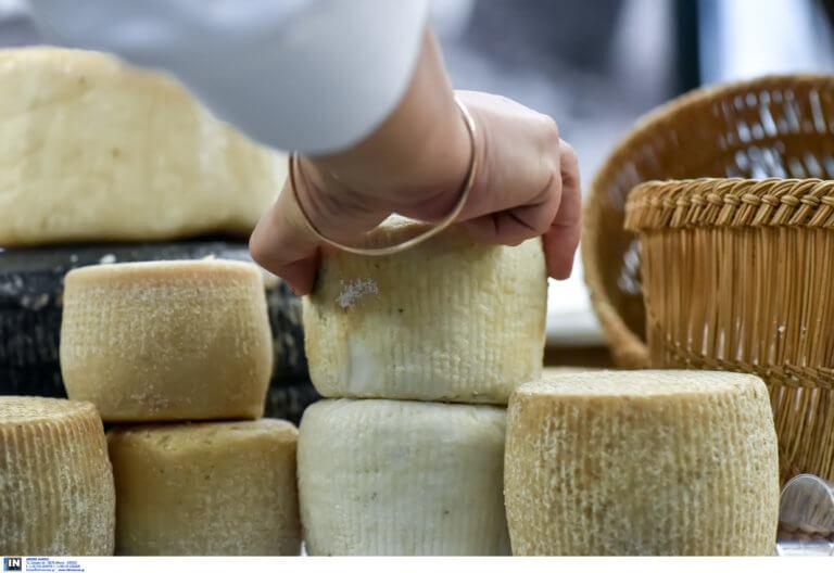 Ορεστιάδα: Ευχάριστα νέα για την υπάλληλο που απολύθηκε από σούπερ μάρκετ επειδή έκοψε σαλάμι και τυρί στην ίδια μηχανή!