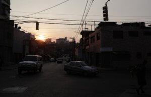 Στο σκοτάδι πάλι η Βενεζουέλα! Νέα βλάβη στο σύστημα ηλεκτροδότησης