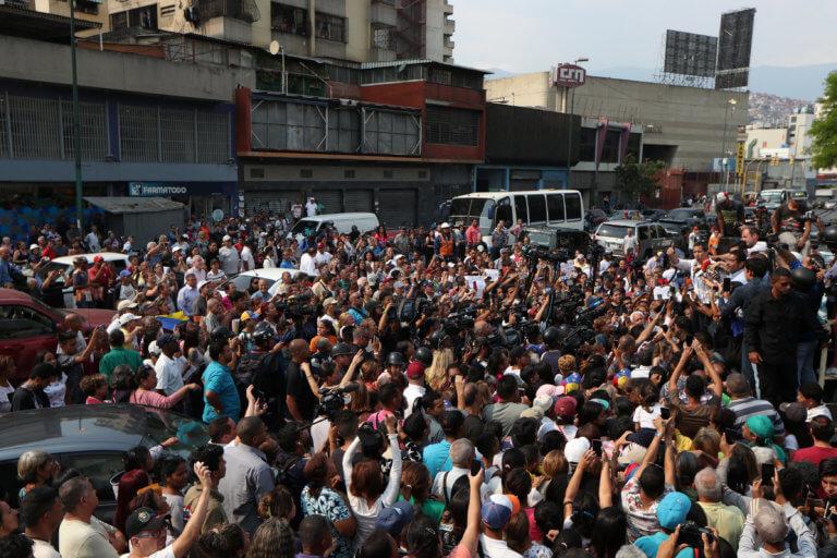 Βενεζουέλα: Έρχεται ανθρωπιστική βοήθεια – Συμφώνησε ο Μαδούρο με τον Ερυθρό Σταυρό [pics]