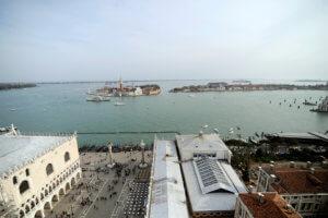 «Βουλιάζει» η Βενετία! Σε ιστορικό υψηλό η στάθμη των νερών