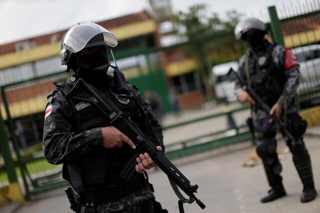 Αστυνομικοί «γάζωσαν» με 80 σφαίρες αυτοκίνητο οικογένειας… από λάθος! Νεκρός ο πατέρας