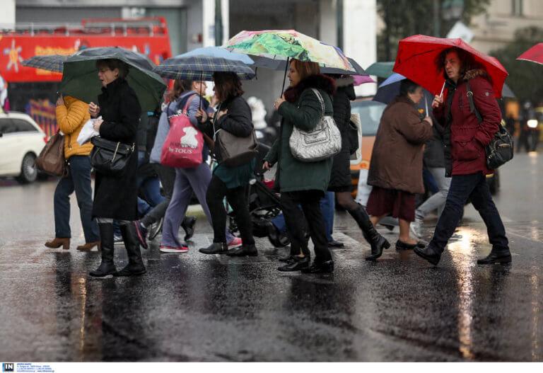 Καιρός: Ανεβαίνει η θερμοκρασία – Σε ποιες περιοχές χρειάζεται ομπρέλα