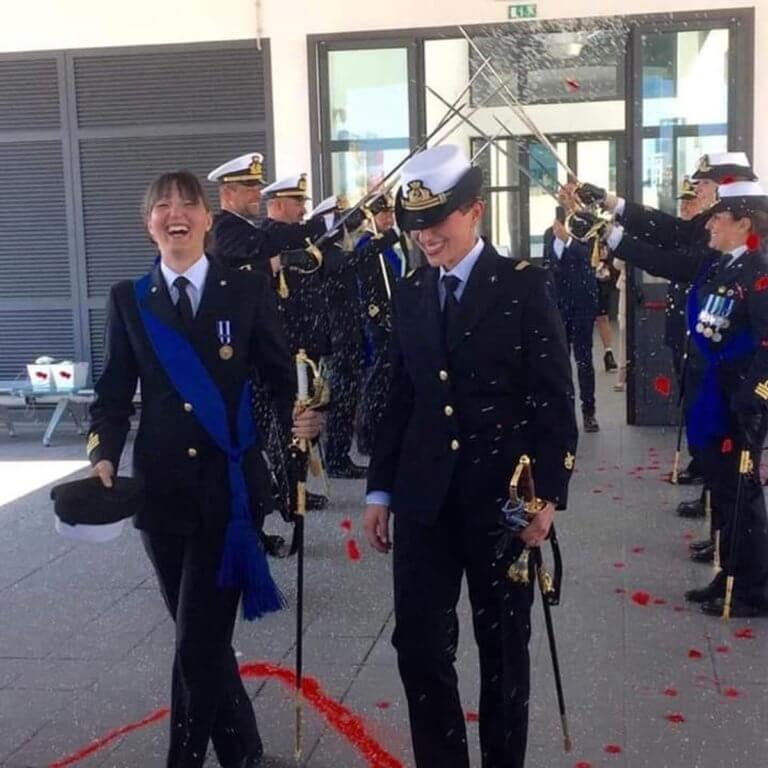 Ο πρώτος γάμος γυναικών αξιωματικών του Πολεμικού Ναυτικού