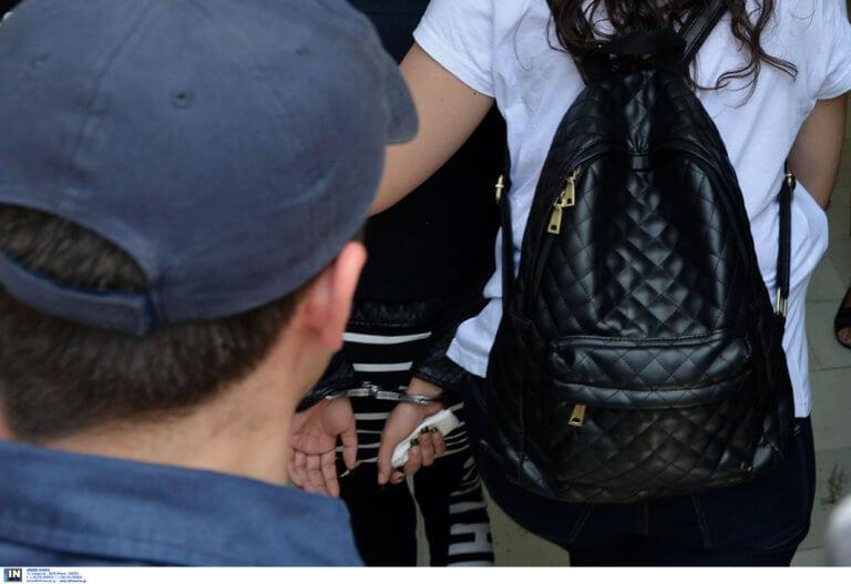 Θεσσαλονίκη: Γυναίκα δηλητήριο στα χέρια της αστυνομίας – Την έψαχναν για τις παλιές αμαρτίες της!