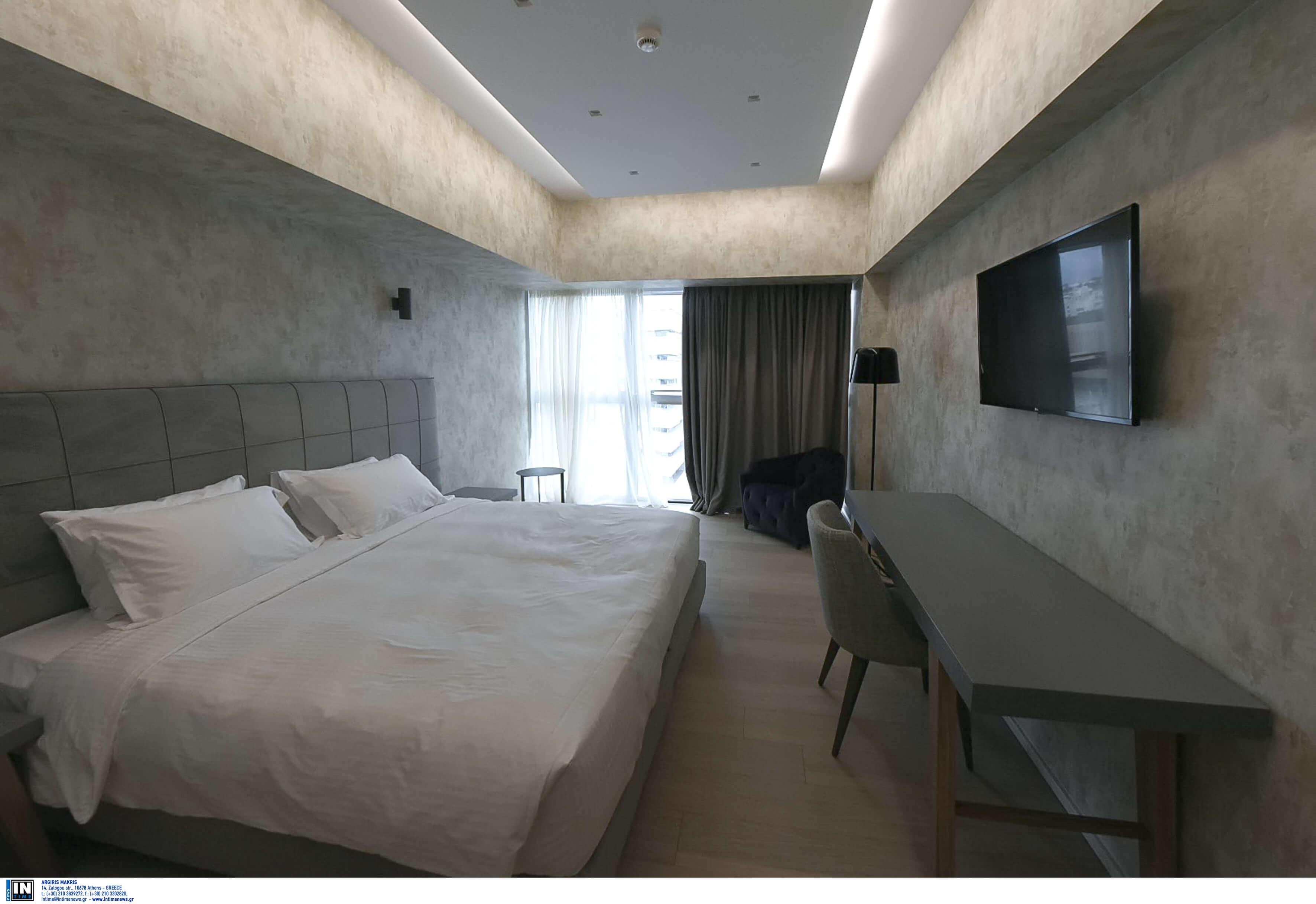 Κρήτη: Θρίλερ σε δωμάτιο ξενοδοχείου – Το τηλεφώνημα που την έκανε να παραλύσει από τον φόβο της!