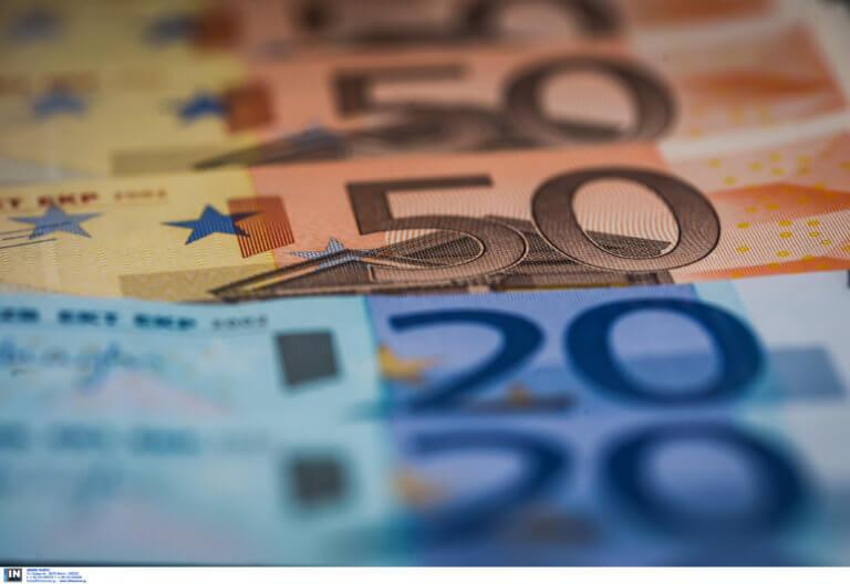 Αποθεώνει τα ελληνικά ομόλογα το Reuters – Κερδίζουν έδαφος έναντι των ιταλικών