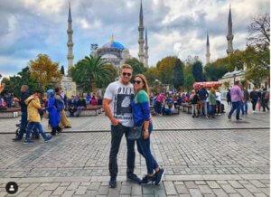 Αυτή είναι η καλλονή κόρη του Ζάεφ, αυτός είναι και ο boyfriend!
