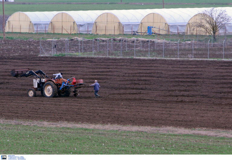 800.000.000 ευρώ ως το τέλος του έτους στους αγρότες από το υπουργείο Αγροτικής Ανάπτυξης