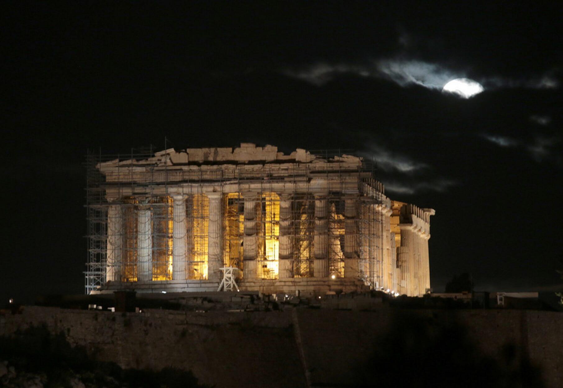 Ακρόπολη: Μελέτη και άμεσα σωστικά μέτρα για το μνημείο του Αγρίππα (pics)