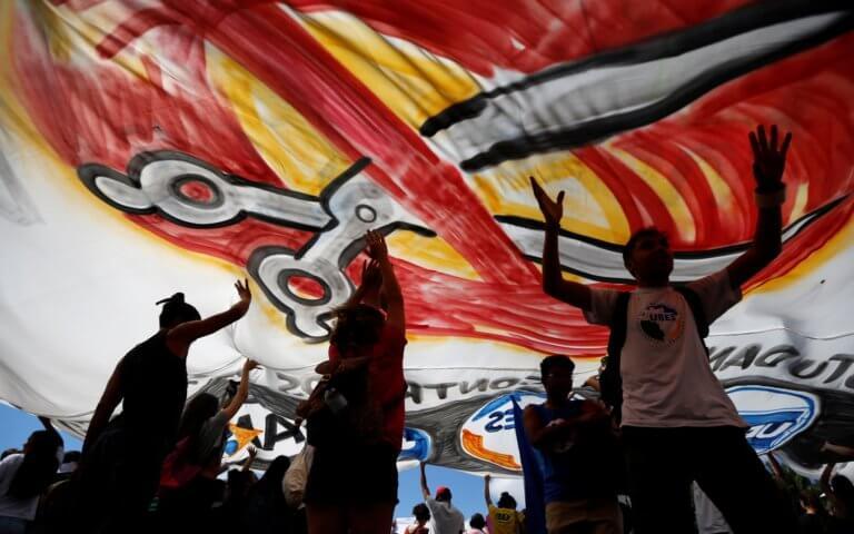 """Βραζιλία: Τεράστιες φοιτητικές διαδηλώσεις – """"Λεφτά για την Παιδεία""""!"""