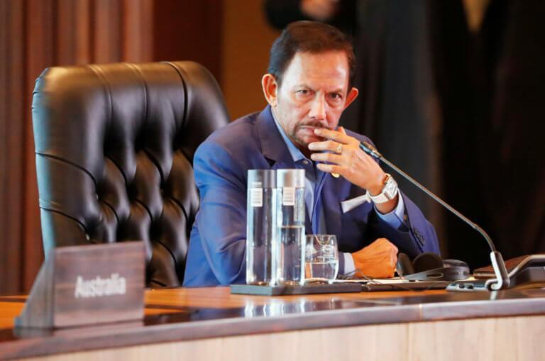 Μπρουνέι: Αναστέλλεται η επιβολή της θανατικής ποινής στους ομοφυλόφιλους