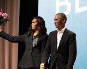 Το ζεύγος Ομπάμα ανέλαβε την παραγωγή σειράς για τον Ντόναλντ Τραμπ