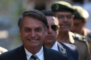 Βραζιλία: Ο Μπολσονάρο ακύρωσε την συνδρομή την κυβέρνησης στην εφημερίδα Φόλια