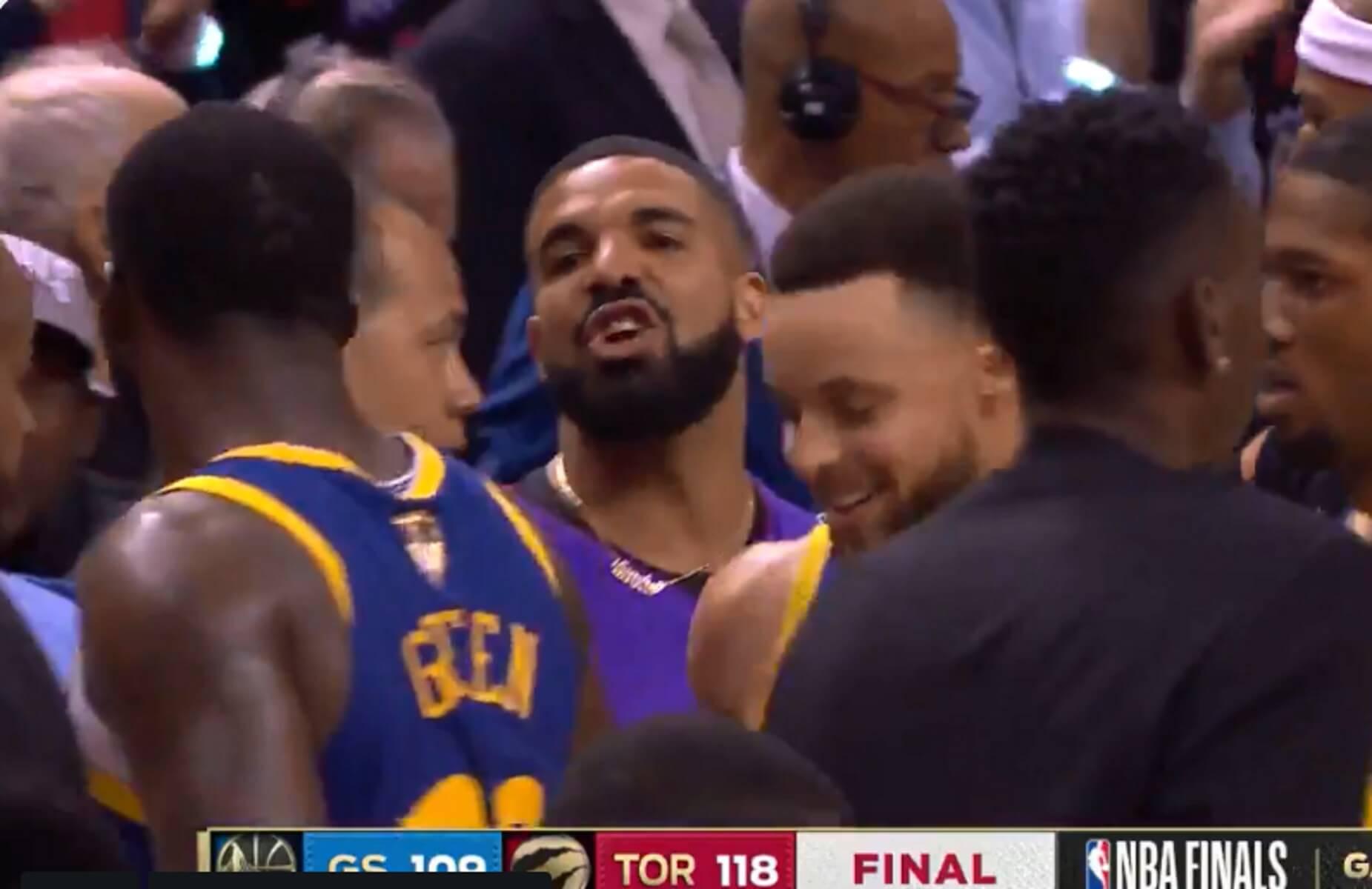 """Ράπτορς – Γουόριορς: Εκτός ελέγχου ο Drake! Είπε """"σκουπίδι"""" τον Γκριν – video"""