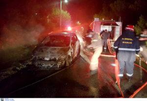 Μπαράζ εμπρησμών τη νύχτα – Έκαψαν 4 αυτοκίνητα και μια μηχανή