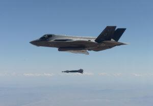 ΗΠΑ: Αν η Τουρκία αγοράσει τους S-400, τότε F-35 γιόκ!