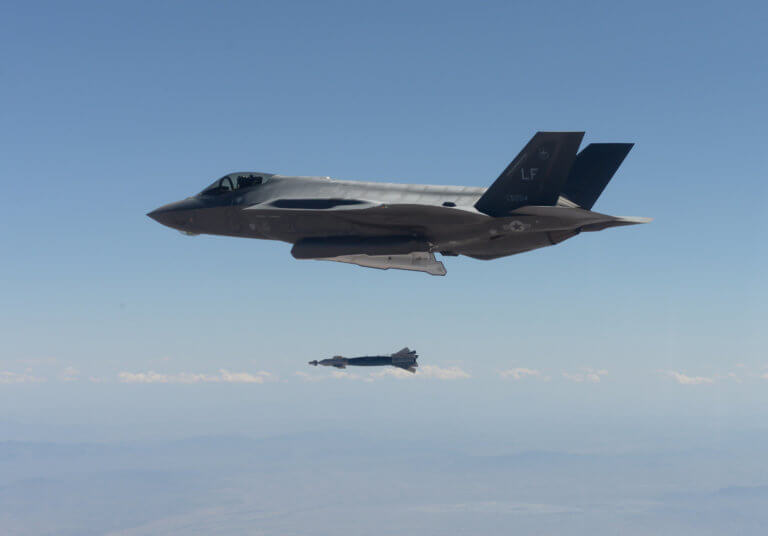 """F-35: Τελεσίγραφο ΗΠΑ στην Τουρκία: Ετοιμαζόμαστε να σας """"πετάξουμε"""" από το πρόγραμμα των F-35"""