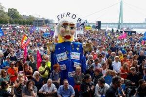 Γερμανία: Διαδηλώσεις κατά του εξτρεμισμού σε επτά μεγάλες πόλεις