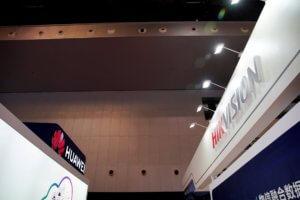 Κίνα: Αμερικανικά Fake News ότι η Huawei ελέγχεται από τις μυστικές υπηρεσίες!