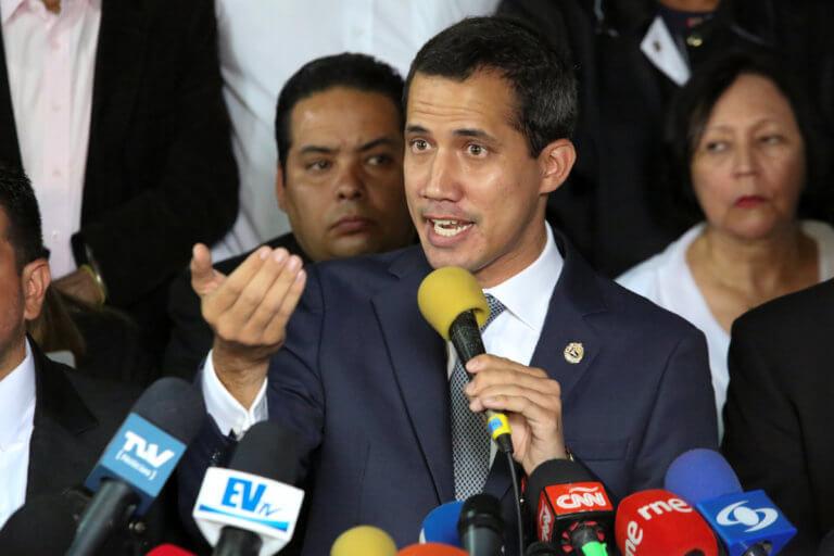 Βενεζουέλα: Συνεργασία με ΗΠΑ θέλει ο Γκουαϊδό για να τερματιστεί η πολιτική κρίση