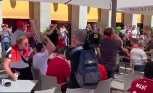 Τότεναμ – Λίβερπουλ: Οι οπαδοί ξεσηκώνουν τη Μαδρίτη! video