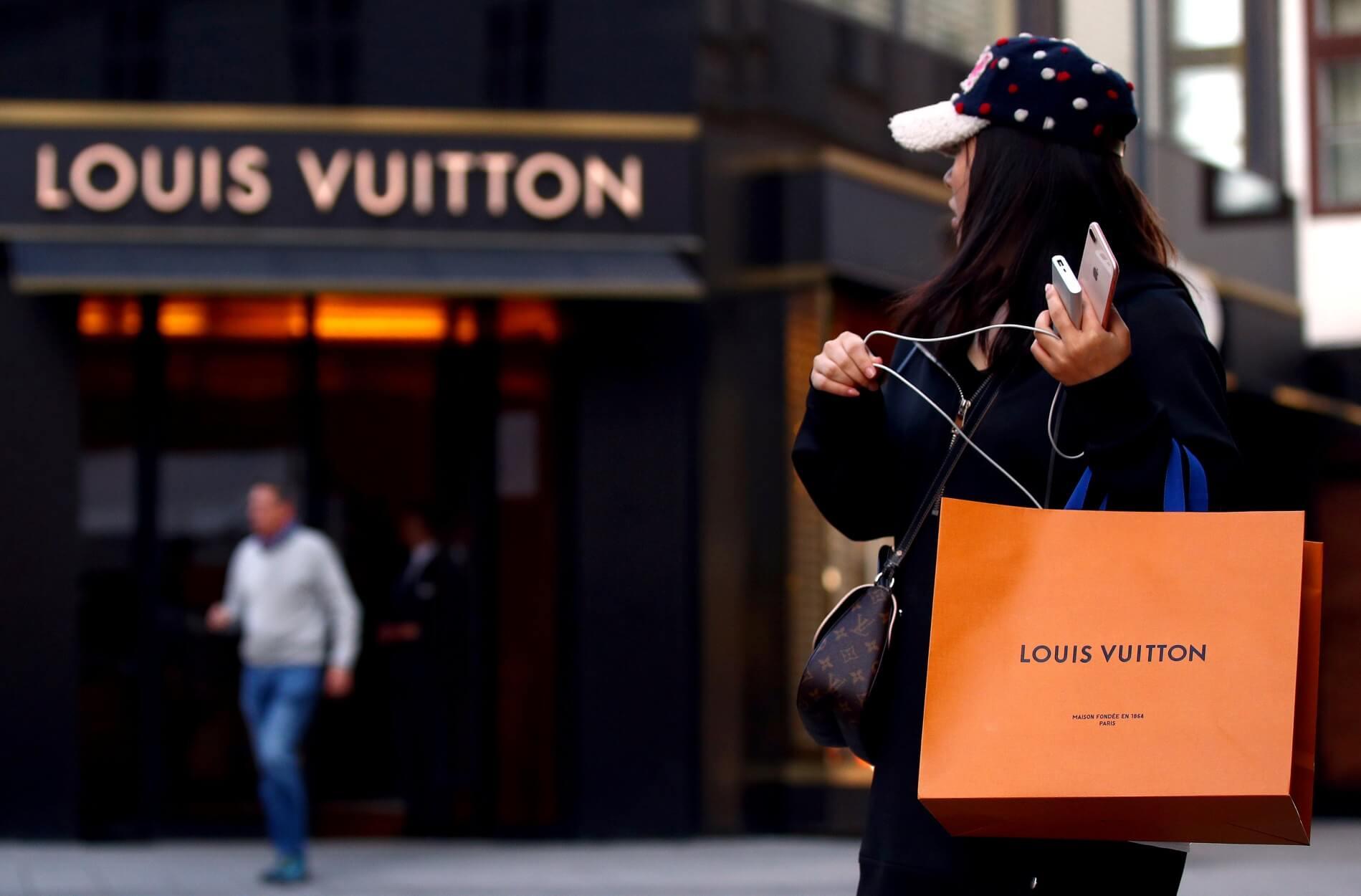 Οι OLED τσάντες του Louis Vuitton!